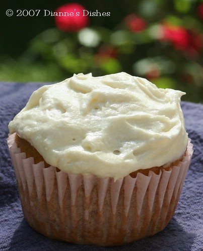 Pumpkin Apple Cupcakes with Cream Cheese Frosting