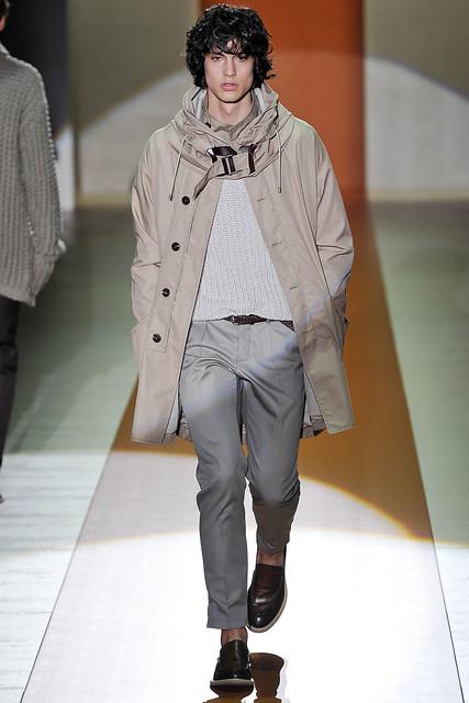 Gerrit Kramer3015_SS11_Milan_Gucci(VOGUEcom)