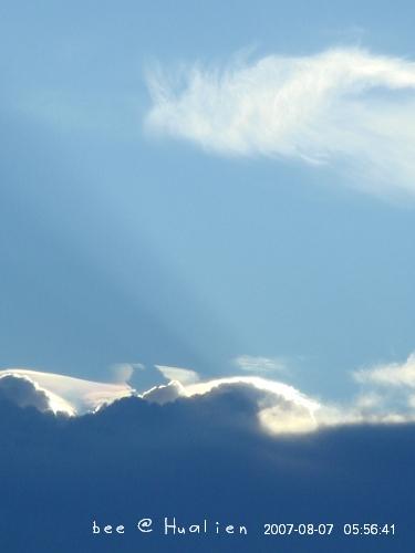 花蓮石梯坪海邊的日出---颱風來前的寧靜 (1)