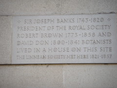 Photo of Joseph Banks, Robert Brown, David Don, and The Linnean Society stone plaque