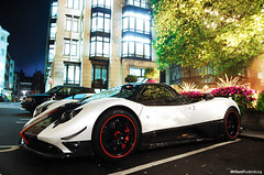 Pagani Zonda Cinque Roadster (Willem Rodenburg) Tags: world park lighting uk red white 3 black detail london car k night photoshop hotel italian nikon unitedkingdom 5 united details picasa fast kingdom best special arab lane u 1855 carbon 55 rims limited edition coolest supercar fastest dorchester cinque engeland zonda willem londen roadster lightroom pagani the sportcar carbonfibre d40 hypercar rodenburg expensieve