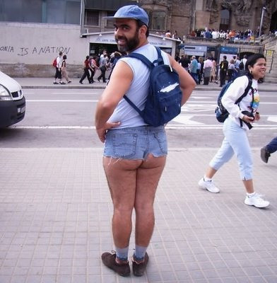 Män i shorts