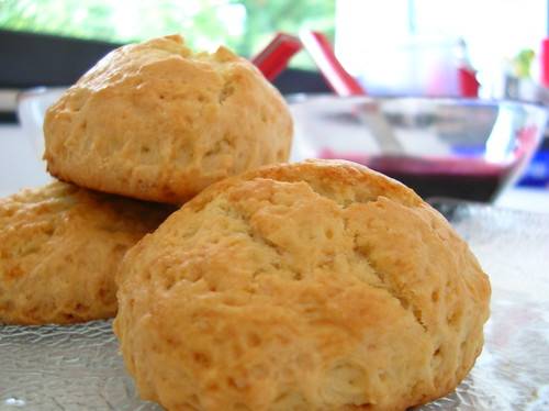 scones con salsa di more