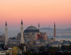 Hagia Sophia my favorite (H e r m e s) Tags: sunset sky architecture turkey istanbul hagiasophia sultanahmet historicalbuilding abigfave hagisophiamuseum