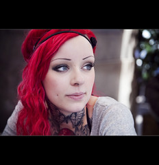 stranger one: the pretty girl with pink hair (* Em *) Tags: barcelona pink portrait people woman girl rose tattoo canon eyes pretty blueeyes femme stranger 5d tatouage