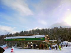Sunshine Village Station Lift (RD Crisp Photography) Tags: canada ski rockies skiing lift vibrant skiresort banff chairlift sunshinevillage canadianrockies villagestation