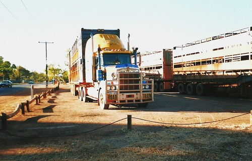 Kenworth-ROAD TRAIN-NT Australia
