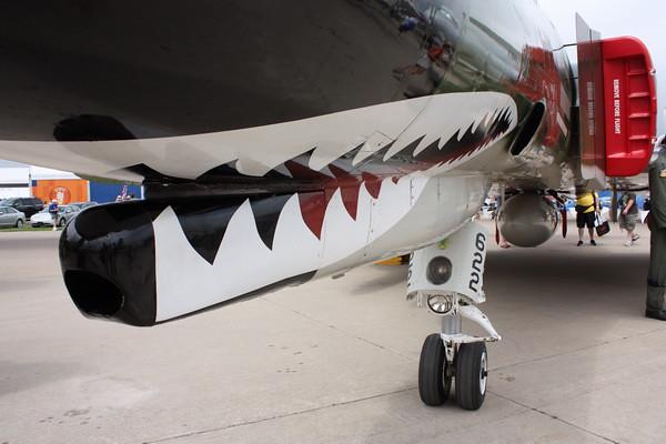 EAA10_F-4E_02