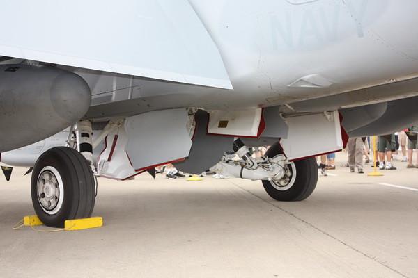 EAA10_EA-18G_26