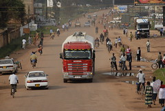 TRUCKING IN UGANDA (Claude  BARUTEL) Tags: africa truck border rwanda uganda scania customs
