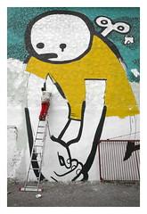 "Erfurt ist Bunt! ...coole Aktion - Graffiti in Kooperation mit der Stadt Erfurt!  ""Comic und Straenkunstfestival INTERZONE vom 21. bis 25. Oktober 2010 in Erfurt Nord (driesel) Tags: street streetart art grafitti erfurt leer fabrik kultur ruine nord mp5 aleksandar allee grafitty brusher kult lingl wandmalerei tolet lutherkirche strase magdeburger lingel schuhfabrik abrissgebude zograf driesel eislebener comicknstler"