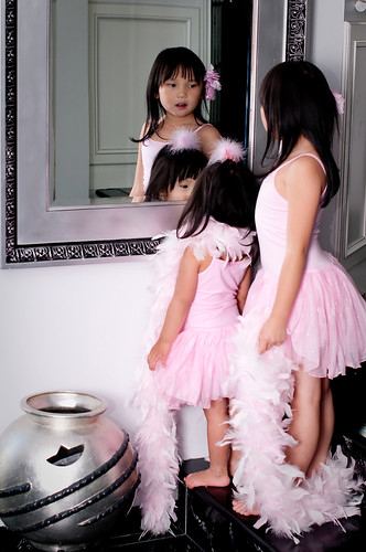 2010,Oct 23. Dress-up (Dahlia&Milana) 131
