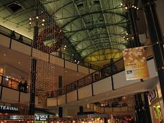 More MOA Christmas (jpellgen (@1179_jp)) Tags: christmas november decorations minnesota canon mall shopping 2006 powershot wreath ornaments mallofamerica bulbs moa twincities bloomington stores decor nordstroms mn dswshoewarehouse