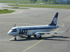 LOT Polskie Linie Lotnicze Embraer 175 (SP-LID) (Canadian Pacific) Tags: holland netherlands dutch airplane airport aircraft nederland lot polish airlines airliner 175 noordholland embraer planespotting erj regionaljet staralliance northholland amsterdamschiphol koninkrijkdernederlanden e175 polskielinielotnicze amsterdamluchthavenschiphol registrationsplid