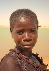 Young Bozo woman, River Niger, Mali (Chris G Images) Tags: africa portrait woman girl face mali bozo touareg tuareg nigerriver riverniger portraitofface facesofportraits culturedusahara