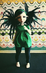 J'Ollie!!! (akatrya) Tags: wallpaper black green dreadlocks ball doll dolls dress handmade retro ollie bjd blythe dust dreads jointed legging morganours pns