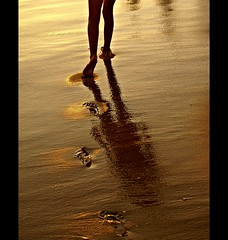 Walking on the beach. (gilxxl) Tags: praia portugal faro areia expression algarve legacy pegadas valedolobo mouseion artdigital abigfave platinumheartaward goldstaraward worldsartgallery platinumpeaceaward absolutelyperrrfect waterenvirons legacyexcellence magicunicornverybest magicunicornmasterpiece galleryofdreams pastfeaturedwinner mygearandmepremium mygearandmebronze heavensshots mygearandmesilver mygearandmegold mygearandmeplatinum mygearandmediamond gilbertooliveira gilxxl