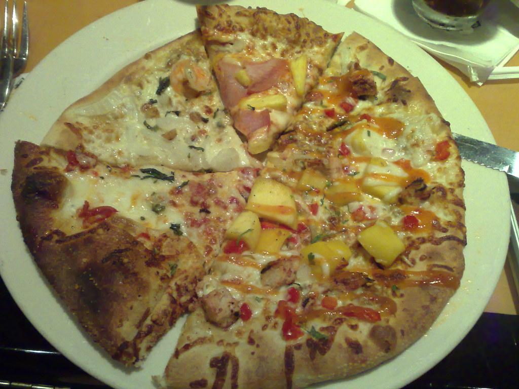 Hmmmmm pizza