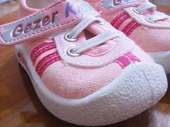 Ka numara? What size? (izdm) Tags: pink rose kids baskets ayakkab pembe pabu