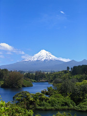 snowcapped (Danil) Tags: travel blue trees light newzealand summer sun mountain lake holiday snow green ice nature water beautiful clouds contrast forest swimming wonderful walking landscape island volcano vakantie big amazing cool scenery view horizon north scenic wolken hike snowcapped formation palmtree massive northisland symmetrical mooi summertime shape distance incredible westcoast volcanic taranaki egmont landschap mountaintop vulkaan nieuwzeeland newplymouth mountegmont superaplus aplusphoto