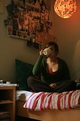 self portrait (the bird noir) Tags: morning portrait coffee self canon bed tea room tripod timer chambre xti