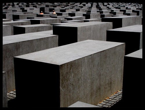 Holocaust Memorial por tochis en Flickr