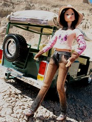 Momoko in Badlands, South Dakota (ava111sk/Dollypimp) Tags: road park vacation sun mountains hot beautiful fashion japan toy rocks doll crossing jeep handmade south roadtrip jeans sd national midnight badlands traveling dakota bratz atelier sekiguchi momoko midnightcrossing momoni