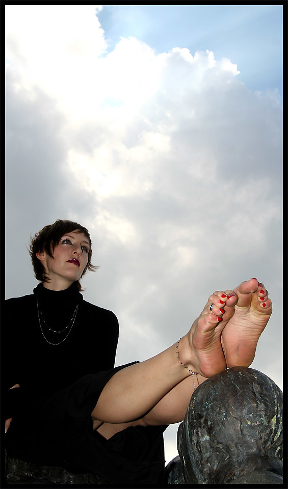 Goth girl foot fetish