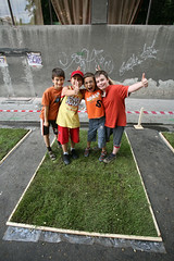 3m2 (dtailed) Tags: romania bucuresti iarba arthurverona streetdelivery spatiiverzi 3metripatrati calcatipeiarba