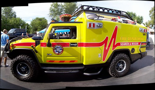 Autostitch of the Ratchet Hummer H2 from the Transformers movie...