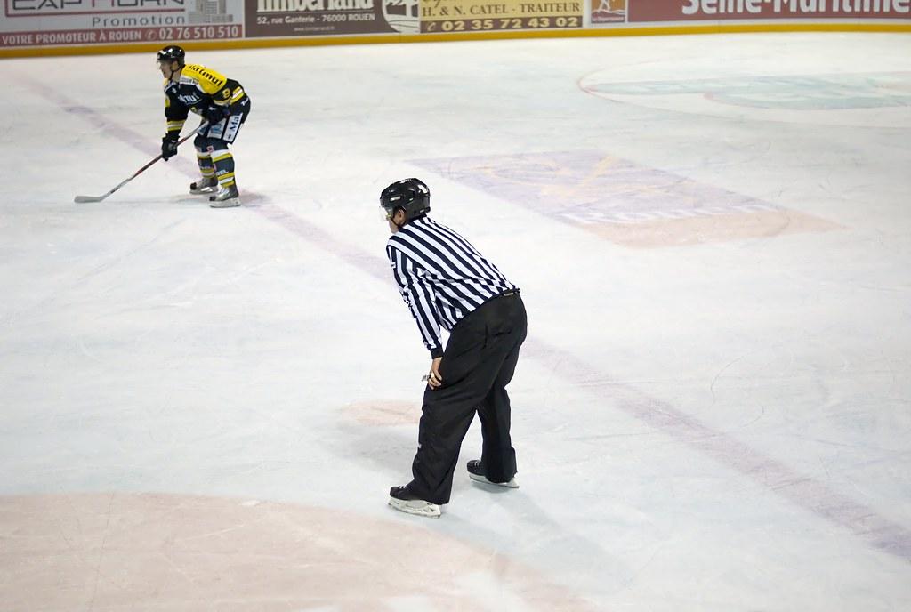 Juge de ligne de hockey