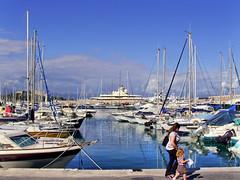 SNB10363 - Antibes Cote d'Azur France Port de plaisance (Rolye) Tags: antibes cotedazur provence rolye samsung nv7 nv7ops yahoo google com www image images photo photos sky ciel boats sea mer port portdeplaisance quai berth yacht yachts flickraward