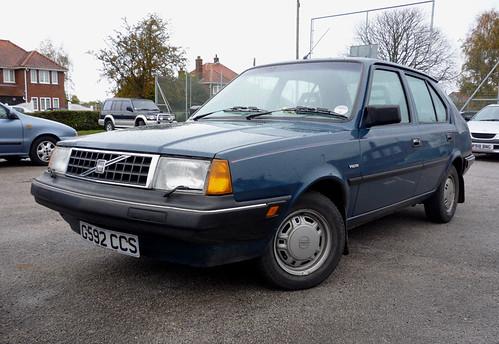 Volvo 340 Turbo. 1989 Volvo 340 1.4 5dr
