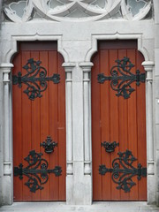 P1000038 (Ahmad Gharbeia  ) Tags: door ireland church limerick  ire luimneach