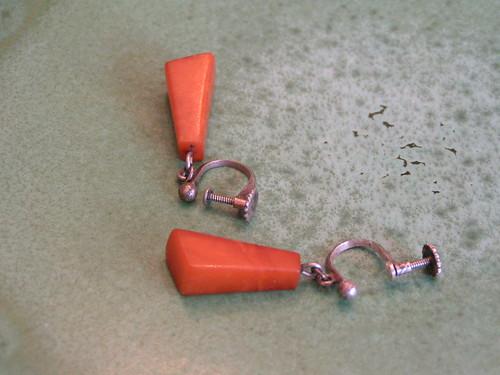 Bärnstensörhängen.