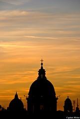 Sunset behind the domes (Capitan Mirino ( il Tartarughino )) Tags: sunset sky italy roma tramonto cielo domes lazio smrgsbord goldenglobe cupole platinumheartaward gnneniyisithebestofday yourcountry flickrlovers