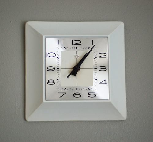 046 - clock