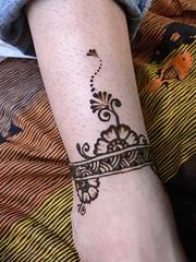 Henna at Maracatu concert (kenzilicious) Tags: nyc newyorkcity ny newyork tattoo brooklyn newjersey bronx manhattan connecticut nj queens statenisland henne henna mehendi bodyart mehndi heena tristate kenzi mehandi