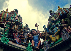 People From Above (^riza^) Tags: temple chinatown hindu 2007 insingapore