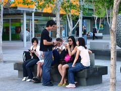 Techo-Teenagers (Leonard John Matthews) Tags: city mobile modern seat teenagers australia brisbane queensland gadgets sms phones techo humanhunt