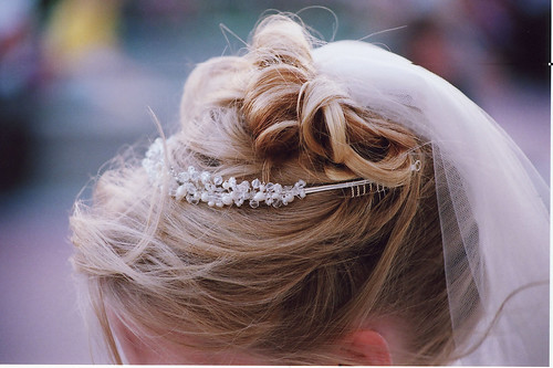 Brides Summer hairstyles. I love the bokeh in this one.