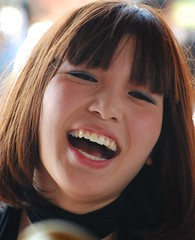 Happy (kirainet) Tags: girls portrait beautiful smile laughing japanesegirls kawai riendo tokyosmile
