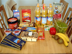 """Food Shopping Project"" - 1/1 (rscandel) Tags: food cake cheese project shopping mushrooms pepper milk rice comida bananas grapes biscuits orangejuice spaghetti yogurt kiwi chocolat breadrolls lebensmittel foodshoppingproject rscandel"