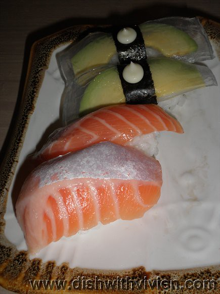 SushiTei2-salmon-avocado-collagen
