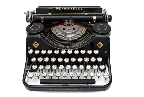 Mercedes Kleinschreibmaschine