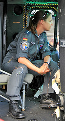 helicopter lady (cool_colonia4711) Tags: woman lady maw cologne kln helicopter colonia frau airforce openhouse hubschrauber luftwaffe airforcebase tagderoffenentr supershot fliegerhorst wahn womanwork mywinners abigfave 12082007 50jahreluftwaffenkasernewahn