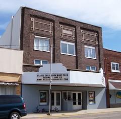 Villa Grove, IL Gemini Cinema (army.arch) Tags: cinema theater il movietheater villagroveillinois