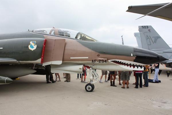 EAA10_F-4E_80