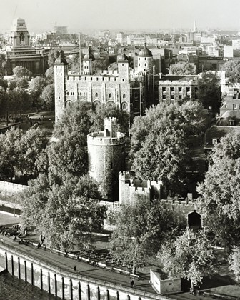 Tower of London: from Tower Bridge, 1959 by London Metropolitan Archives
