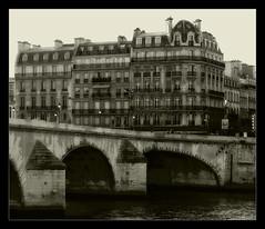 930 Paris